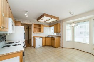 """Photo 5: 114 10584 153 Street in Surrey: Guildford Townhouse for sale in """"Glenwood Village"""" (North Surrey)  : MLS®# R2390526"""
