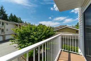"""Photo 7: 114 10584 153 Street in Surrey: Guildford Townhouse for sale in """"Glenwood Village"""" (North Surrey)  : MLS®# R2390526"""