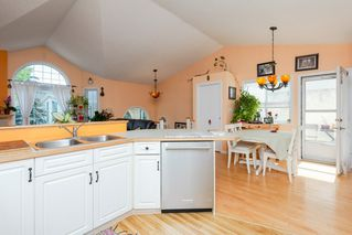 Photo 4: 33 11717 9B Avenue in Edmonton: Zone 16 Townhouse for sale : MLS®# E4168947