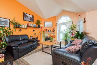 Photo 3: 33 11717 9B Avenue in Edmonton: Zone 16 Townhouse for sale : MLS®# E4168947