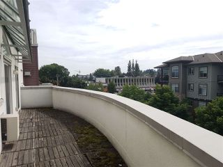 "Photo 4: 409 2335 WHYTE Avenue in Port Coquitlam: Central Pt Coquitlam Condo for sale in ""Chancellor Court"" : MLS®# R2399366"