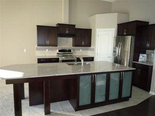 Photo 3: 3 2815 34 Avenue in Edmonton: Zone 30 House Half Duplex for sale : MLS®# E4172726