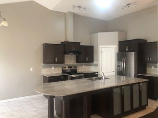 Photo 4: 3 2815 34 Avenue in Edmonton: Zone 30 House Half Duplex for sale : MLS®# E4172726