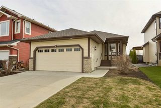 Photo 1: 22 HEWITT Circle: Spruce Grove House for sale : MLS®# E4184965