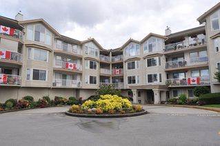 "Main Photo: 109 20600 53A Avenue in Langley: Langley City Condo for sale in ""RIVERGLEN EST."" : MLS®# R2472865"