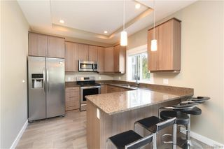 Photo 4: 3440 Hopwood Pl in Colwood: Co Latoria House for sale : MLS®# 842417