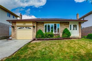 Main Photo: 2379 DUNCASTER Drive in Burlington: Residential for sale : MLS®# H4083495