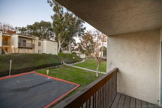 Photo 18: OCEANSIDE Condo for sale : 1 bedrooms : 432 Edgehill Ln #14