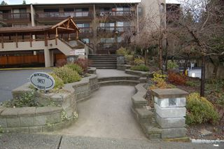 Photo 3: # 205 9857 MANCHESTER DR in Burnaby: Cariboo Condo for sale (Burnaby North)  : MLS®# V860920