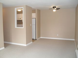 "Photo 1: #204 33598 GEORGE FERGUSON WY in ABBOTSFORD: Central Abbotsford Condo for rent in ""NELSON MANOR"" (Abbotsford)"