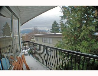 "Photo 7: 307 2330 MAPLE Street in Vancouver: Kitsilano Condo for sale in ""MAPLE GARDENS"" (Vancouver West)  : MLS®# V680162"