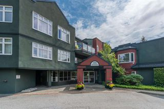 """Main Photo: 504 2800 CHESTERFIELD Avenue in North Vancouver: Upper Lonsdale Condo for sale in """"Somerset Green"""" : MLS®# R2393773"""