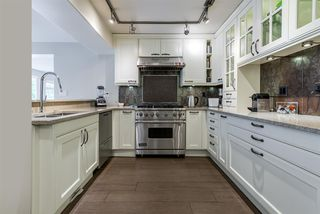 "Photo 10: 101 1707 YEW Street in Vancouver: Kitsilano Townhouse for sale in ""1707 Yew"" (Vancouver West)  : MLS®# R2394661"