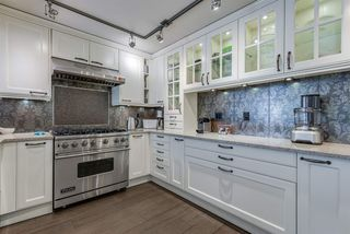 "Photo 9: 101 1707 YEW Street in Vancouver: Kitsilano Townhouse for sale in ""1707 Yew"" (Vancouver West)  : MLS®# R2394661"