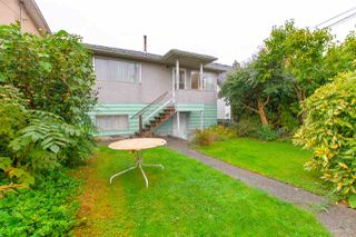 Photo 19: 3092 E 5TH Avenue in Vancouver: Renfrew VE House for sale (Vancouver East)  : MLS®# R2412099