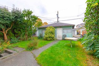 Photo 18: 3092 E 5TH Avenue in Vancouver: Renfrew VE House for sale (Vancouver East)  : MLS®# R2412099