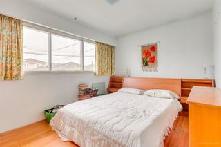 Photo 8: 3092 E 5TH Avenue in Vancouver: Renfrew VE House for sale (Vancouver East)  : MLS®# R2412099