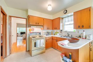 Photo 6: 3092 E 5TH Avenue in Vancouver: Renfrew VE House for sale (Vancouver East)  : MLS®# R2412099