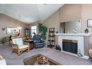 "Photo 10: 13 19649 53 Avenue in Langley: Langley City Townhouse for sale in ""Huntsfield Green"" : MLS®# R2412498"