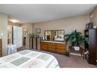 """Photo 13: 13 19649 53 Avenue in Langley: Langley City Townhouse for sale in """"Huntsfield Green"""" : MLS®# R2412498"""