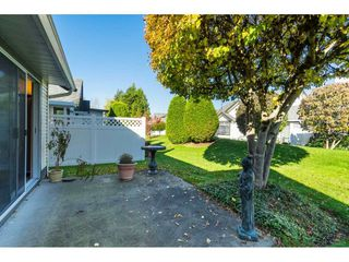 """Photo 17: 13 19649 53 Avenue in Langley: Langley City Townhouse for sale in """"Huntsfield Green"""" : MLS®# R2412498"""
