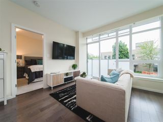 Photo 4: 202 63 W 2ND AVENUE in Vancouver: False Creek Condo for sale (Vancouver West)  : MLS®# R2278434