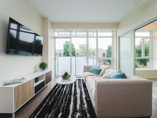 Photo 3: 202 63 W 2ND AVENUE in Vancouver: False Creek Condo for sale (Vancouver West)  : MLS®# R2278434