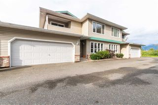 """Main Photo: 3 46209 CESSNA Drive in Chilliwack: Chilliwack E Young-Yale Townhouse for sale in """"MAPLE LANE"""" : MLS®# R2509295"""