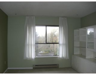 "Photo 3: 316 7431 MINORU Boulevard in Richmond: Brighouse South Condo for sale in ""WOODRIDGE"" : MLS®# V693760"
