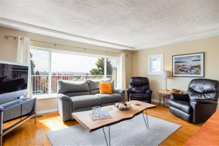 Photo 2: 816 CALVERHALL Street in North Vancouver: Calverhall House for sale : MLS®# R2403789