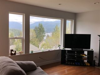 Photo 3: 5884 TURNSTONE Crescent in Sechelt: Sechelt District House for sale (Sunshine Coast)  : MLS®# R2433309