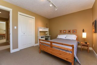 Photo 7: 1375 Zephyr Pl in : CV Comox (Town of) House for sale (Comox Valley)  : MLS®# 852275