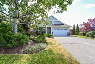 Photo 1: 1375 Zephyr Pl in : CV Comox (Town of) House for sale (Comox Valley)  : MLS®# 852275