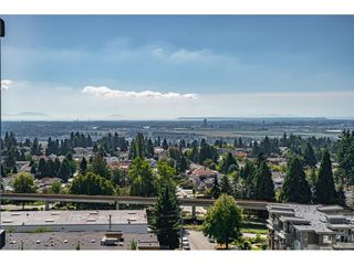 """Photo 15: 1402 6700 DUNBLANE Avenue in Burnaby: Metrotown Condo for sale in """"VITTORIO"""" (Burnaby South)  : MLS®# R2526495"""