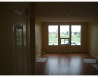 Photo 3:  in CALGARY: Temple Residential Detached Single Family for sale (Calgary)  : MLS®# C3262624