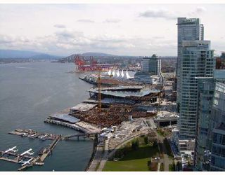 """Photo 3: 3302 1281 W CORDOVA Street in Vancouver: Coal Harbour Condo for sale in """"CALLISTO AT HARBOUR GREEN"""" (Vancouver West)  : MLS®# V706458"""
