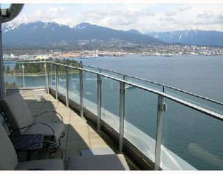 """Photo 1: 3302 1281 W CORDOVA Street in Vancouver: Coal Harbour Condo for sale in """"CALLISTO AT HARBOUR GREEN"""" (Vancouver West)  : MLS®# V706458"""