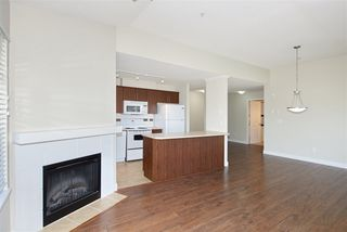 "Photo 4: 426 12248 224 Street in Maple Ridge: East Central Condo for sale in ""URBANO"" : MLS®# R2391264"