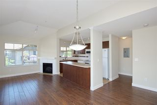 "Photo 3: 426 12248 224 Street in Maple Ridge: East Central Condo for sale in ""URBANO"" : MLS®# R2391264"