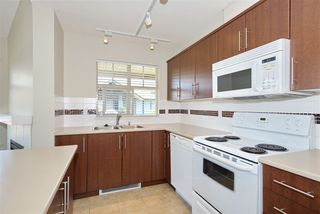 "Photo 9: 426 12248 224 Street in Maple Ridge: East Central Condo for sale in ""URBANO"" : MLS®# R2391264"