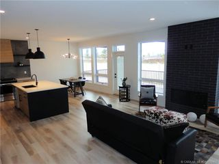 Photo 3: 103 Ellington Crescent in Red Deer: Evergreen Residential for sale : MLS®# CA0174408