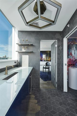 """Photo 19: 3502 33 SMITHE Street in Vancouver: Yaletown Condo for sale in """"Coopers Lookout"""" (Vancouver West)  : MLS®# R2413176"""