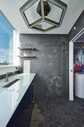 """Photo 18: 3502 33 SMITHE Street in Vancouver: Yaletown Condo for sale in """"Coopers Lookout"""" (Vancouver West)  : MLS®# R2413176"""