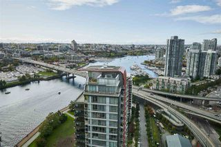 """Photo 10: 3502 33 SMITHE Street in Vancouver: Yaletown Condo for sale in """"Coopers Lookout"""" (Vancouver West)  : MLS®# R2413176"""
