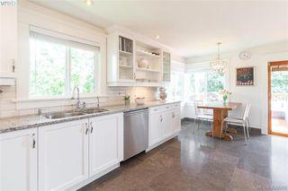 Photo 11: 2755 Belmont Ave in VICTORIA: Vi Oaklands House for sale (Victoria)  : MLS®# 839504
