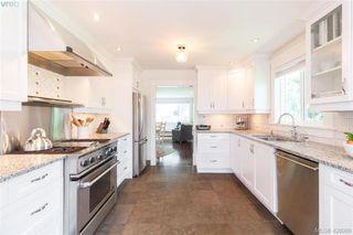 Photo 9: 2755 Belmont Ave in VICTORIA: Vi Oaklands House for sale (Victoria)  : MLS®# 839504