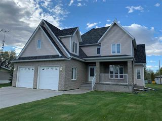 Photo 1: 10724 102 Street: Westlock House for sale : MLS®# E4200070