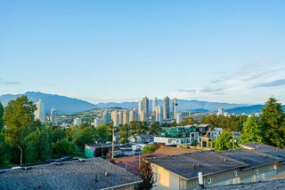 "Photo 32: 15 3788 LAUREL Street in Burnaby: Burnaby Hospital Townhouse for sale in ""Laurel"" (Burnaby South)  : MLS®# R2477652"
