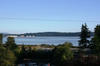 Photo 14: 15821 Columbia Avenue in White Rock: Home for sale : MLS®# F2833600