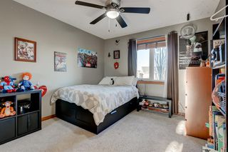 Photo 25: 30 Cougarstone Mews SW in Calgary: Cougar Ridge Detached for sale : MLS®# A1053099